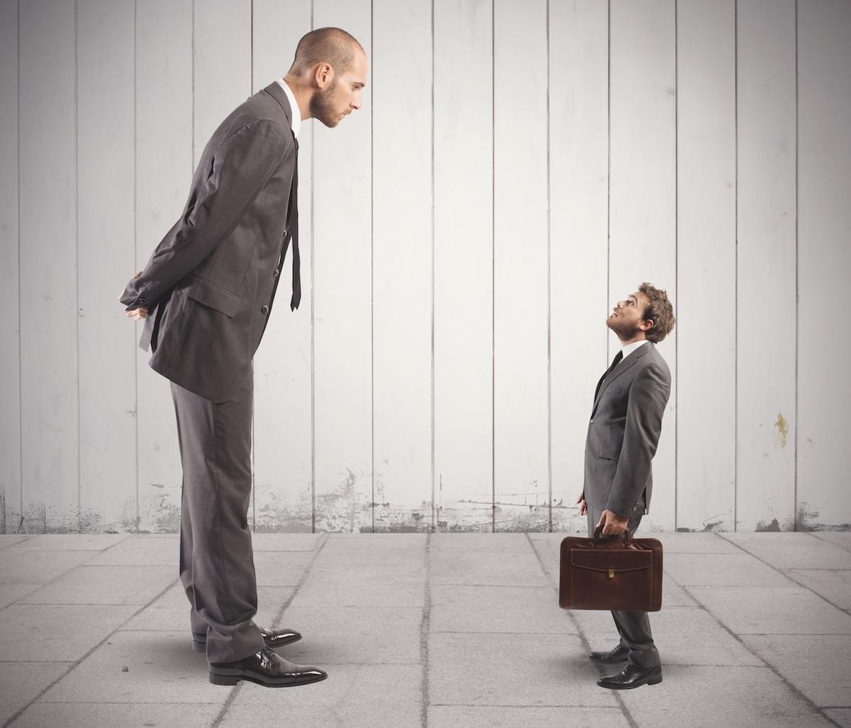 Ratschläge erteilen vs. Ermutigend Führen